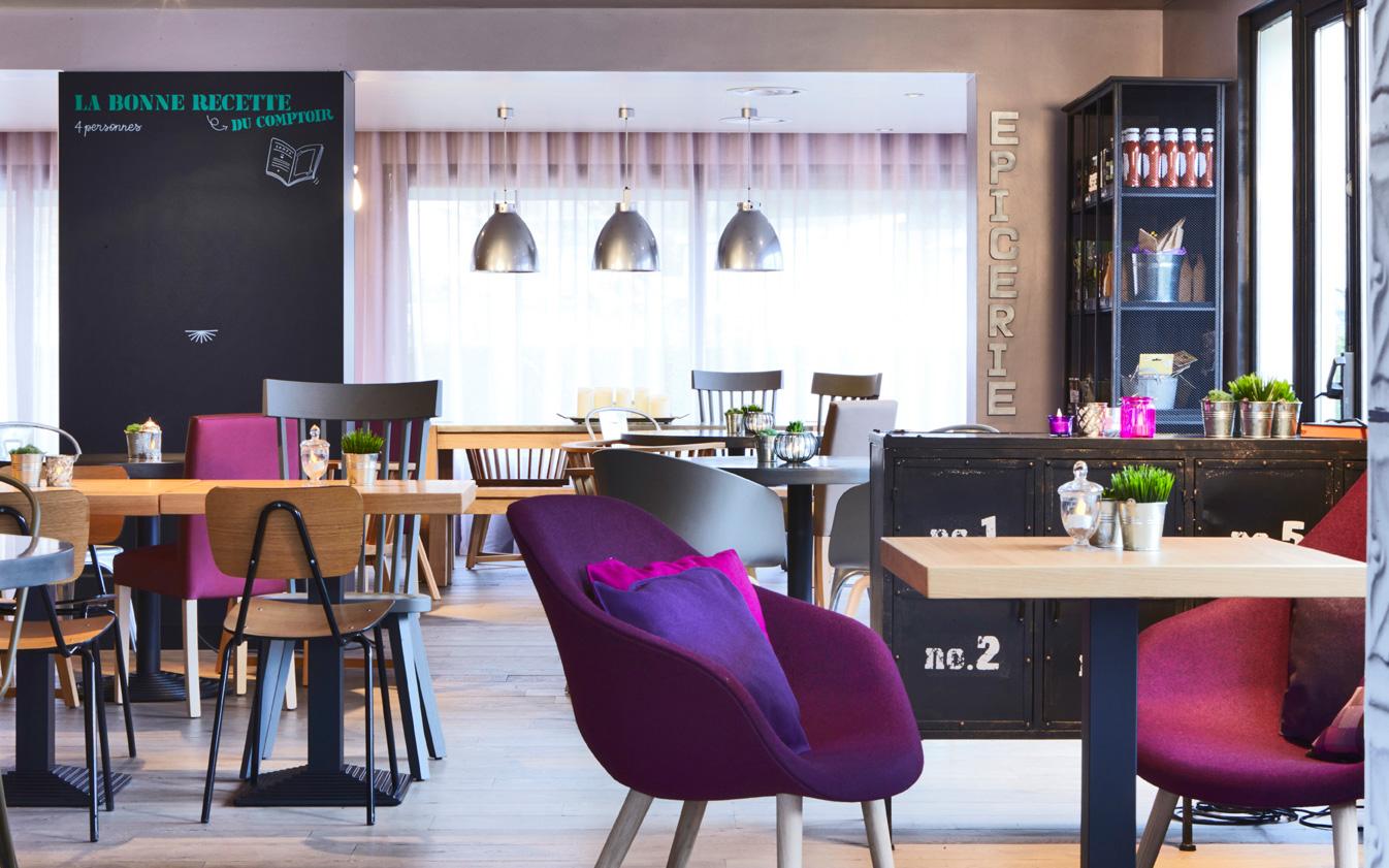 campanile-lounge4-nancybuzz