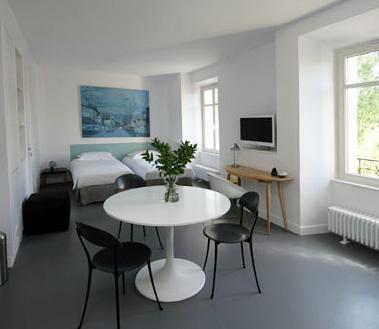 l h tel particulier que n ai je mis ma robe de. Black Bedroom Furniture Sets. Home Design Ideas