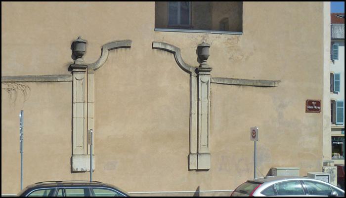 porte suspendue rue des freres henry nancy