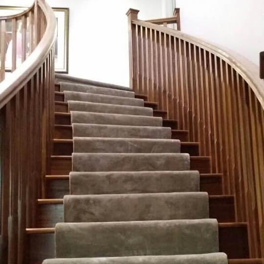 jacaranda-moquette-escalier