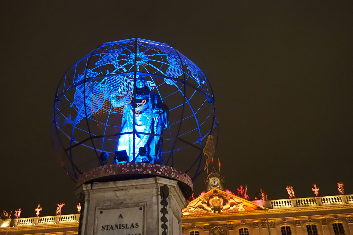 statue stanislas nancy noel 2018 globe terrestre